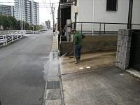 車庫を高圧洗浄
